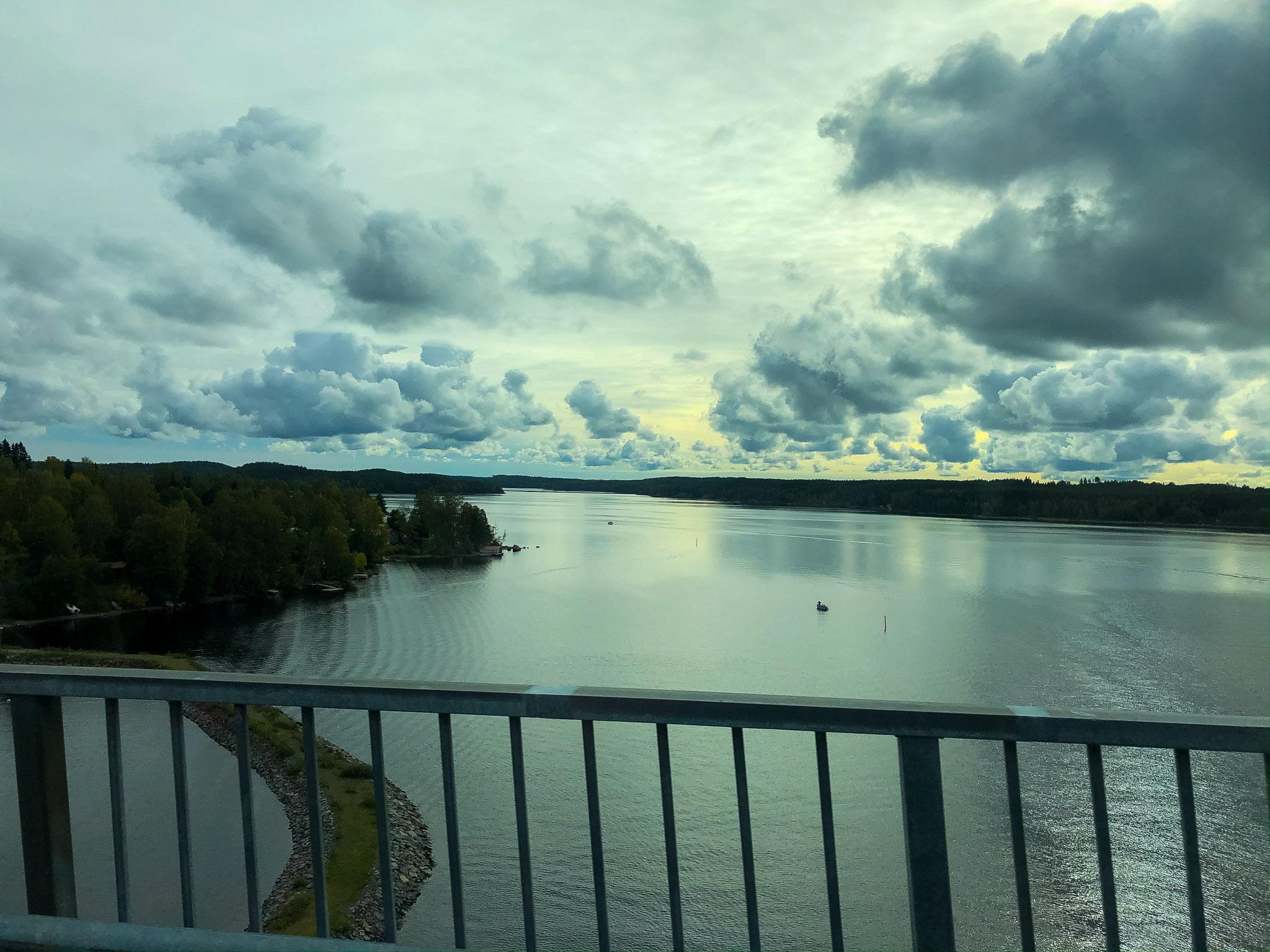 Fahrt über Brücke