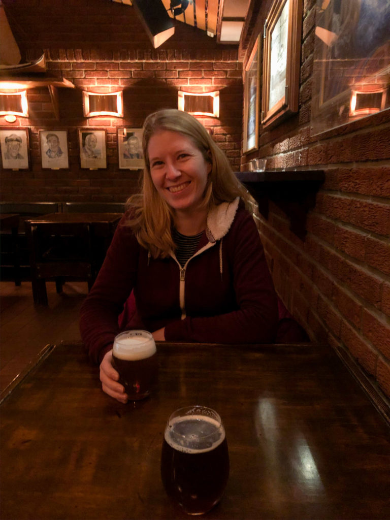 2 kleine Biere: ca. 23 CHF... Aber wir geniessen's